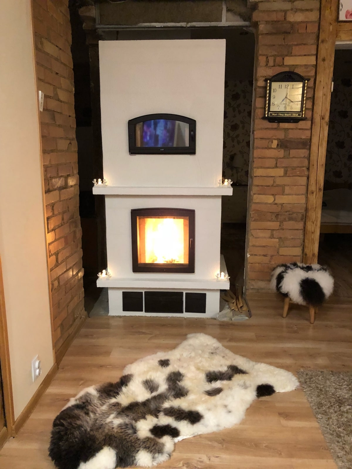 Modulating furnace Mats with a baking oven